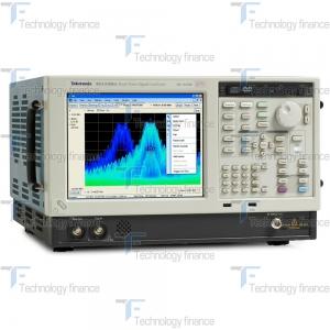 Фронтальная панель анализатора спектра Tektronix RSA5106B