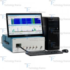 Анализатор спектра Tektronix RSA7100A в процессе работы